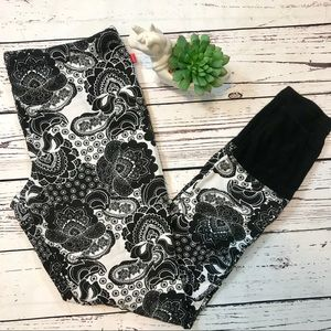 JOSIE NATORI black & white paisley pajama pants